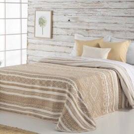 BEKE bedspread from the Rustic collection